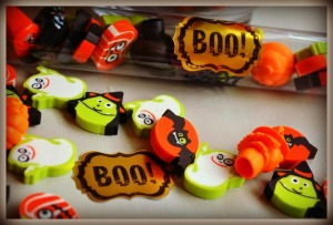 Boo-Halloween-Stickers-on-Halloween-Candy-Tubes-from-Nikki-In-Stitches
